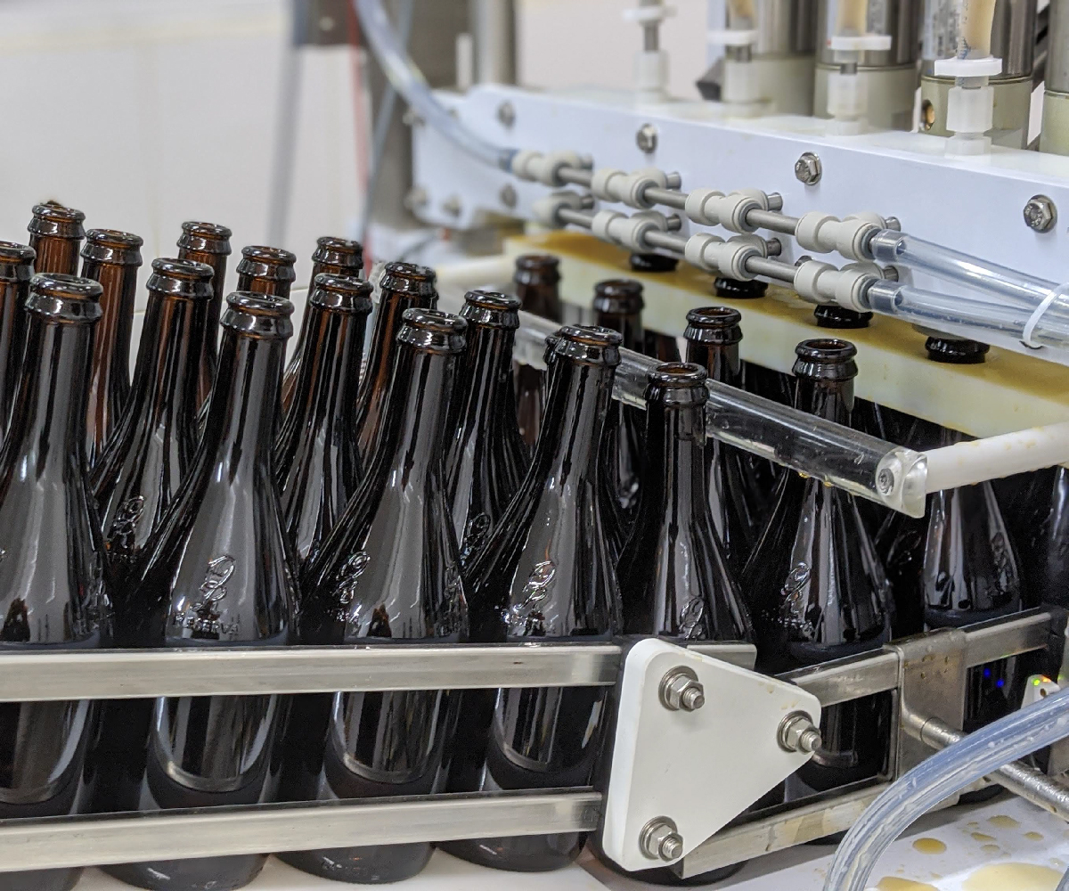 Meheen M4 Bottling Line_Counterpressure Bottle Filler_Wild Goose Filling